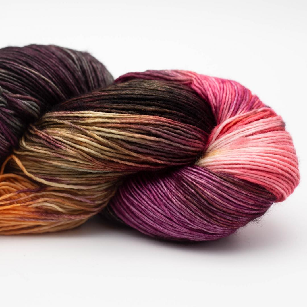 Manos del Uruguay Alma hand dyed Commitment